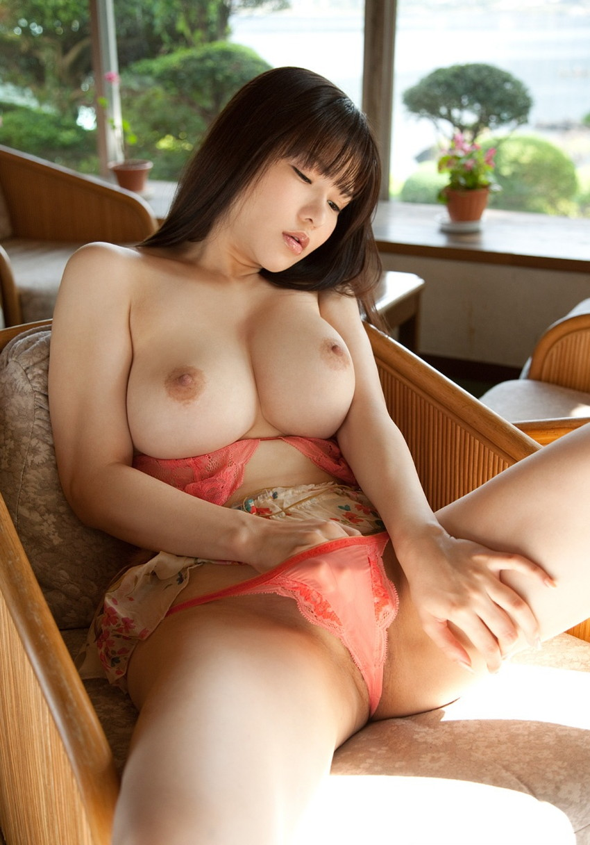 【乳首エロ画像】おっぱいが美乳ってことはやっぱり乳首も綺麗であるべき! 19