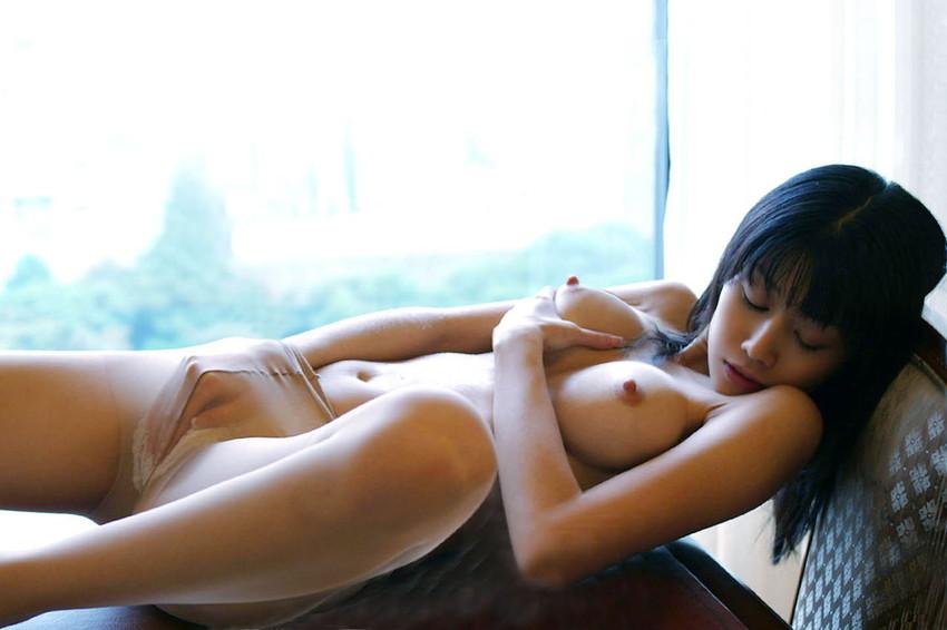 【オナニー各種エロ画像】どんな形にしたって女の子のオナニーはエロいだろw 38