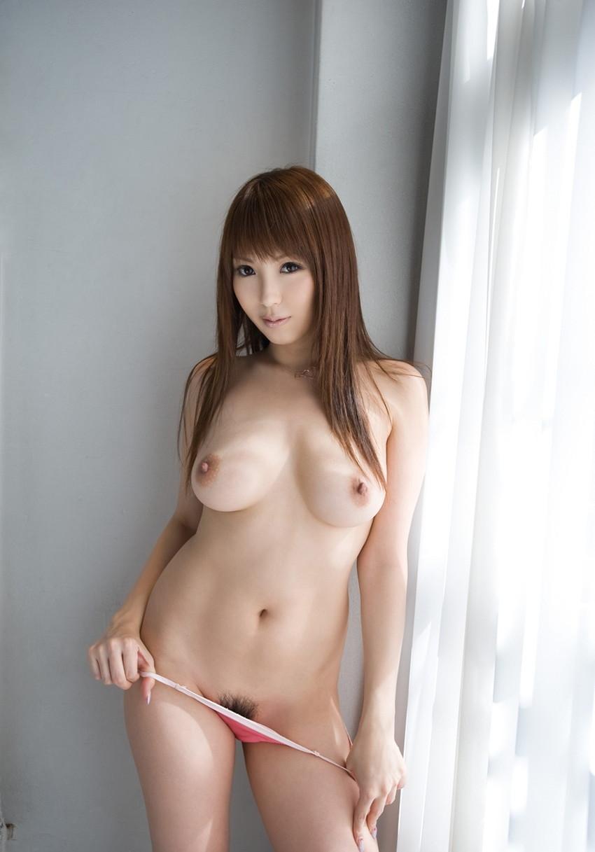 【美乳エロ画像】みんな大好き!美しいおっぱいを集めた美乳の女の子特集! 21