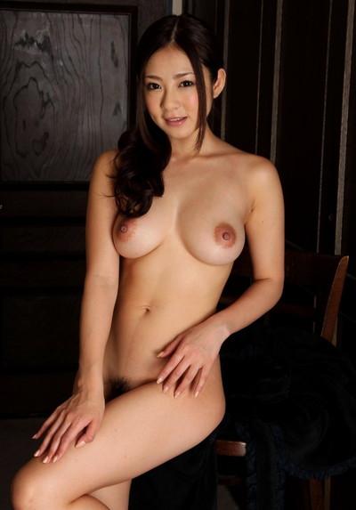 【美乳エロ画像】みんな大好き!美しいおっぱいを集めた美乳の女の子特集! 18