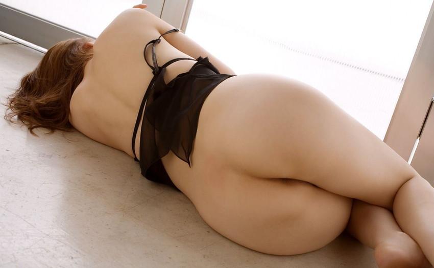 【美尻エロ画像】これぞ桃尻!ふっくらまあるいお尻に思わずフル勃起! 17