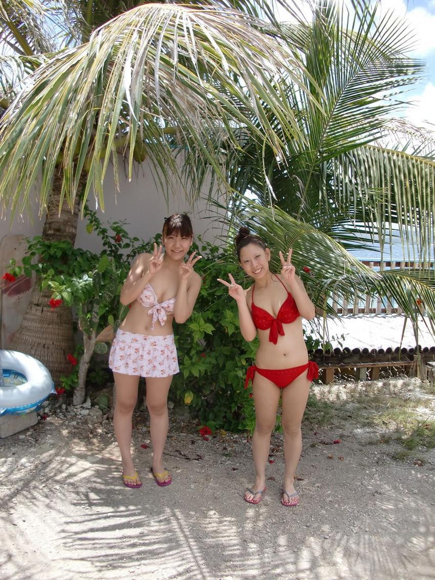 【素人水着エロ画像】ガチ素人娘たちの水着姿が生々しくて抜けるッ! 21