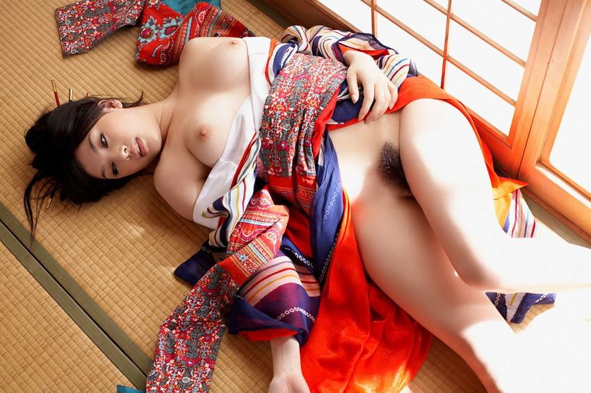 【和服エロ画像】日本の心、和服姿の女の子のエロスってたまらないよな!?w 17