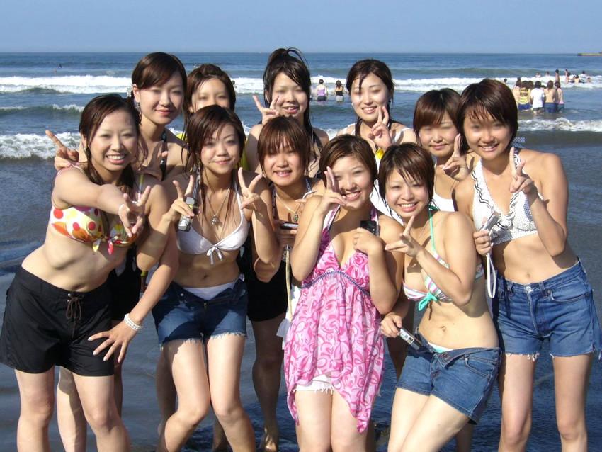 【素人水着エロ画像】下着同然!?生々しいまでの素人娘たちの水着姿! 15