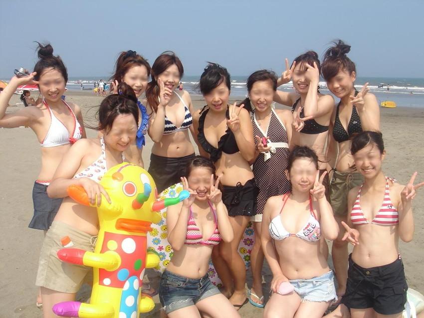 【素人水着エロ画像】下着同然!?生々しいまでの素人娘たちの水着姿! 24