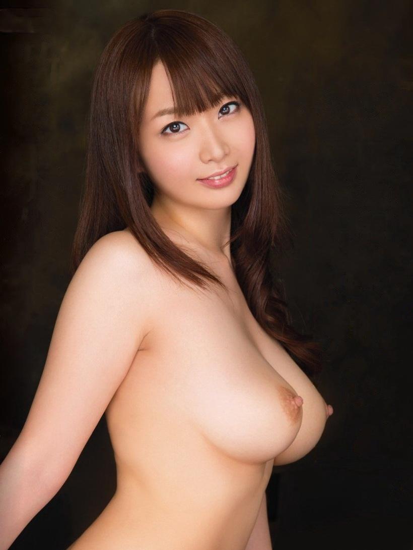 【美乳エロ画像】こんな美乳なおっぱいの彼女がいたらそれだけで勝ち組確定! 02