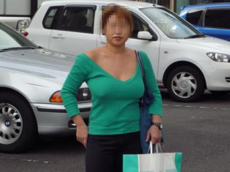【ノーブラエロ画像】街中でこんな女の子見かけたら、どうしたって二度見するだろ!? 46
