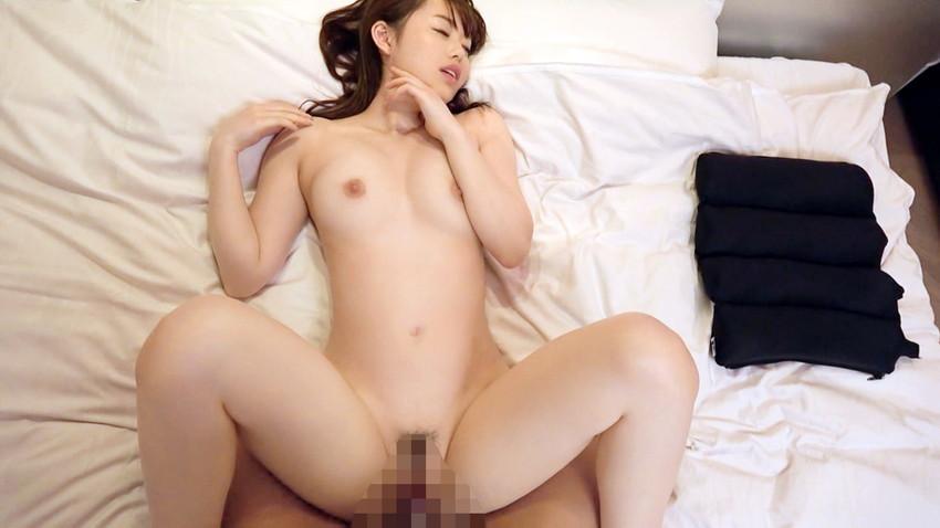 【正常位エロ画像】女性アンケートで愛を感じられる体位だと人気のセックス体位! 55