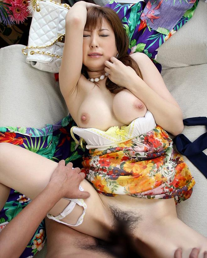 【着衣セックスエロ画像】着衣のままでセックスを楽しむっていうあのプレイ! 42