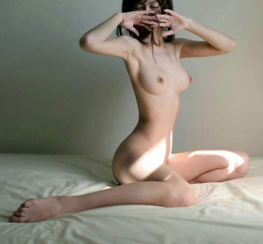 【美乳エロ画像】美しすぎるおっぱい!こんな彼女がほしかった!? 45