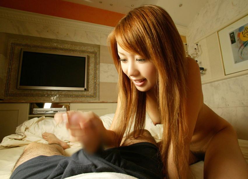 【手コキエロ画像】オナニーとは違う!女の子にシテもらう手コキという奉仕プレイ! 07