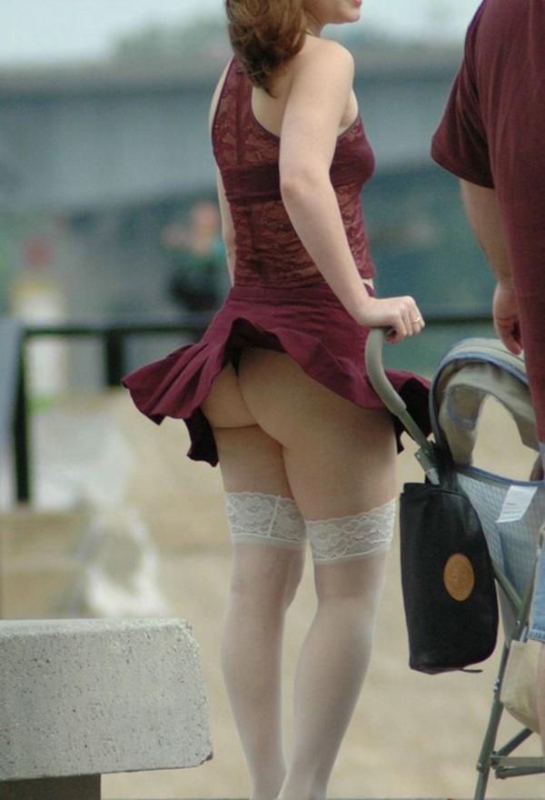 【海外パンチラエロ画像】日本国内ではなく、海外の女の子たちのパンチラ特集! 03