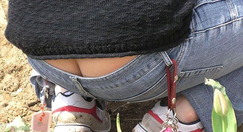【ローライズエロ画像】パンチラを気にしてたら着用不可なローライズパンツw 16