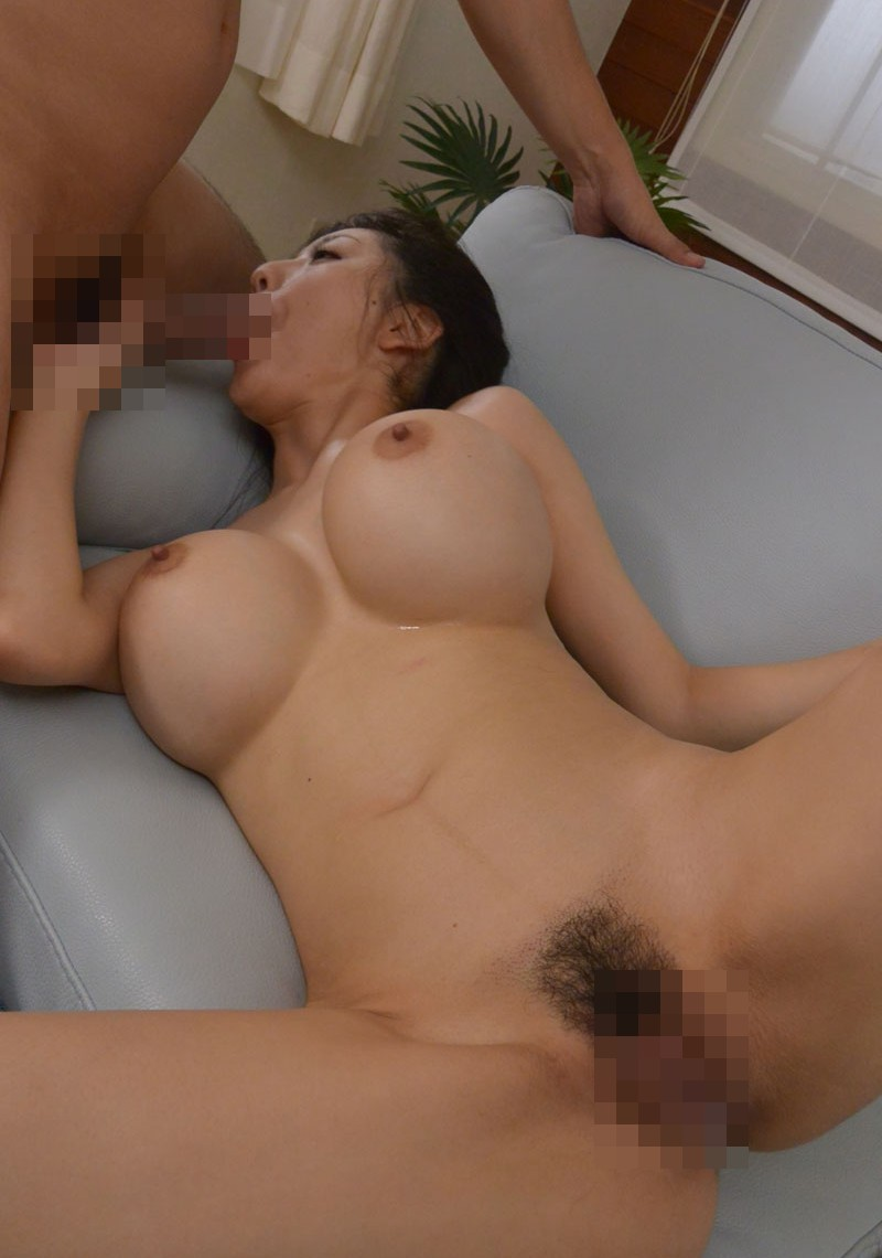 【フェラチオエロ画像】これからセックスそれともお掃除フェラ!?全裸でフェラチオ! 31