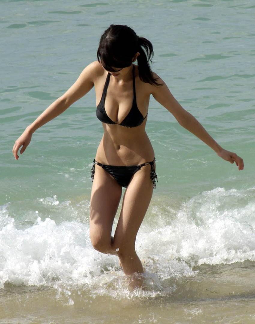 【素人水着エロ画像】素人娘たちの生々しい水着姿にドッキドキ!wwww 53