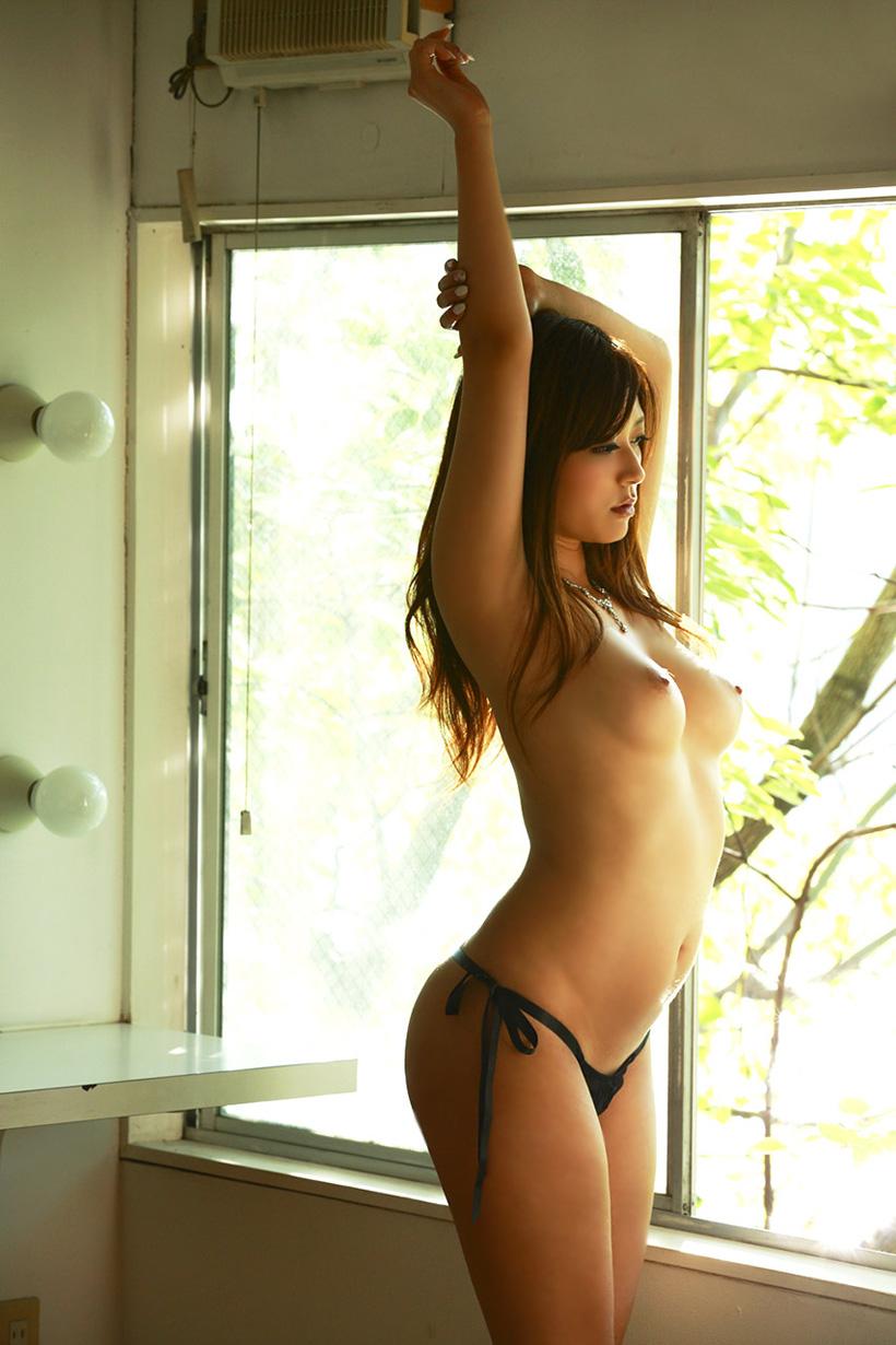 【美乳エロ画像】クッソ綺麗なおっぱいの女の画像集めたったぜwwwww 16