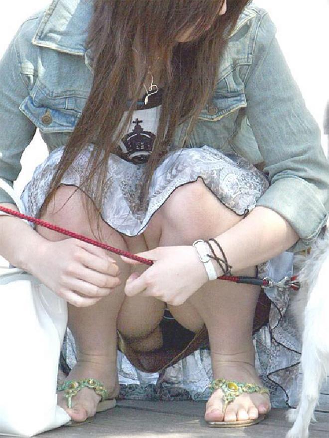 【街撮りパンチラエロ画像】素人娘の無防備な股間を狙い撃ち!街撮りパンチラ! 36