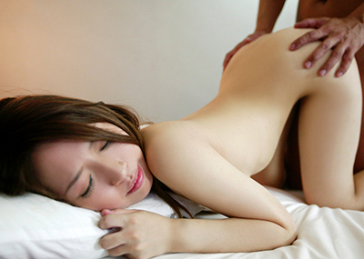 【バックエロ画像】バックでセックスしているカップルたちのエロすぎる痴態!