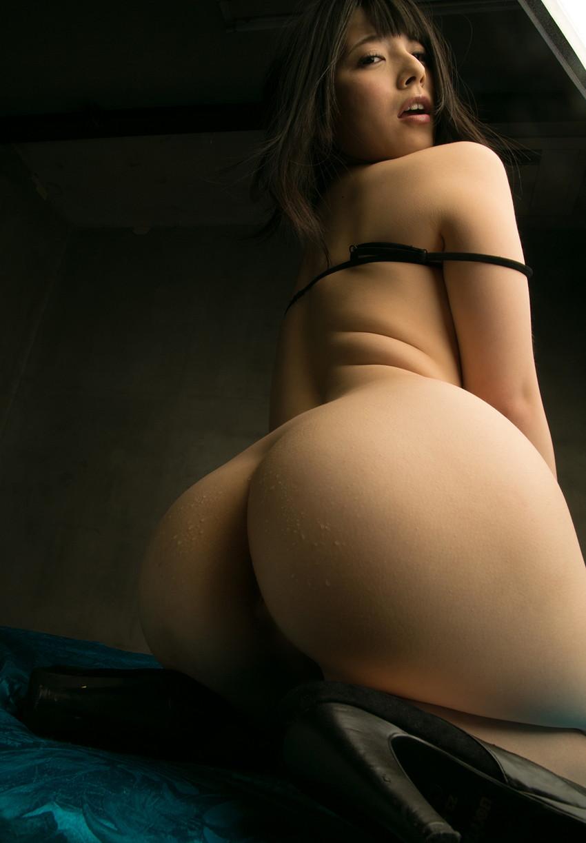 【美尻エロ画像】美しい美尻!こりゃ尻フェチじゃなくても堪らんわなwww 16