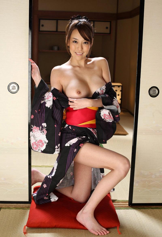 【和服エロ画像】日本の心を大切にしたい!和服姿の女の子たちの至高のエロス! 50
