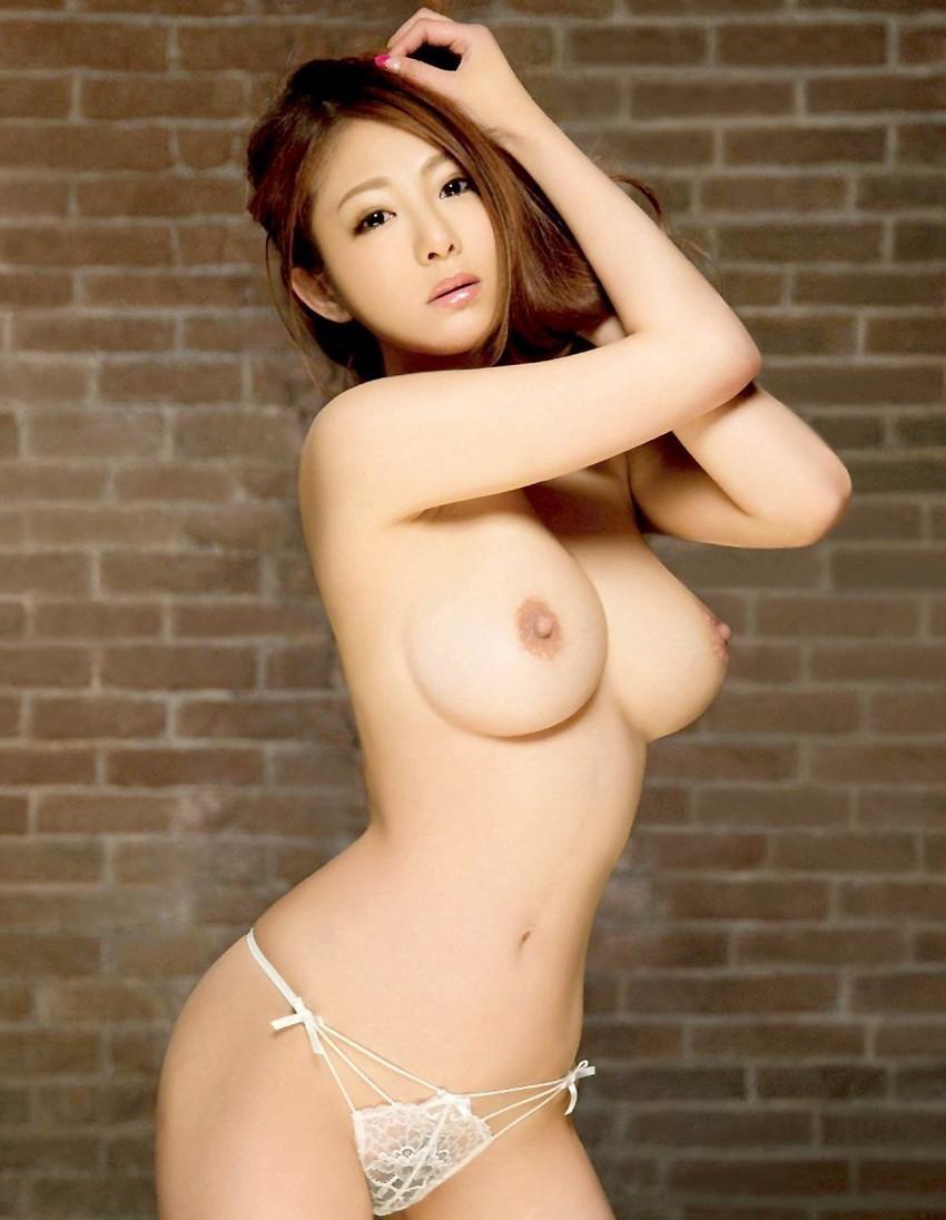 【巨乳エロ画像】やっぱりおっぱいといえば巨乳が好き!ってやつ寄って来い! 09