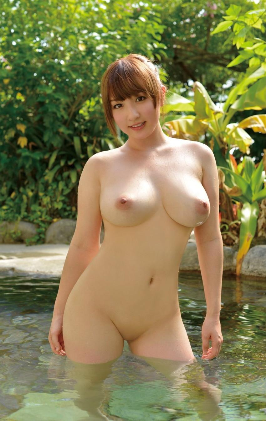 【巨乳エロ画像】やっぱりおっぱいといえば巨乳が好き!ってやつ寄って来い! 44