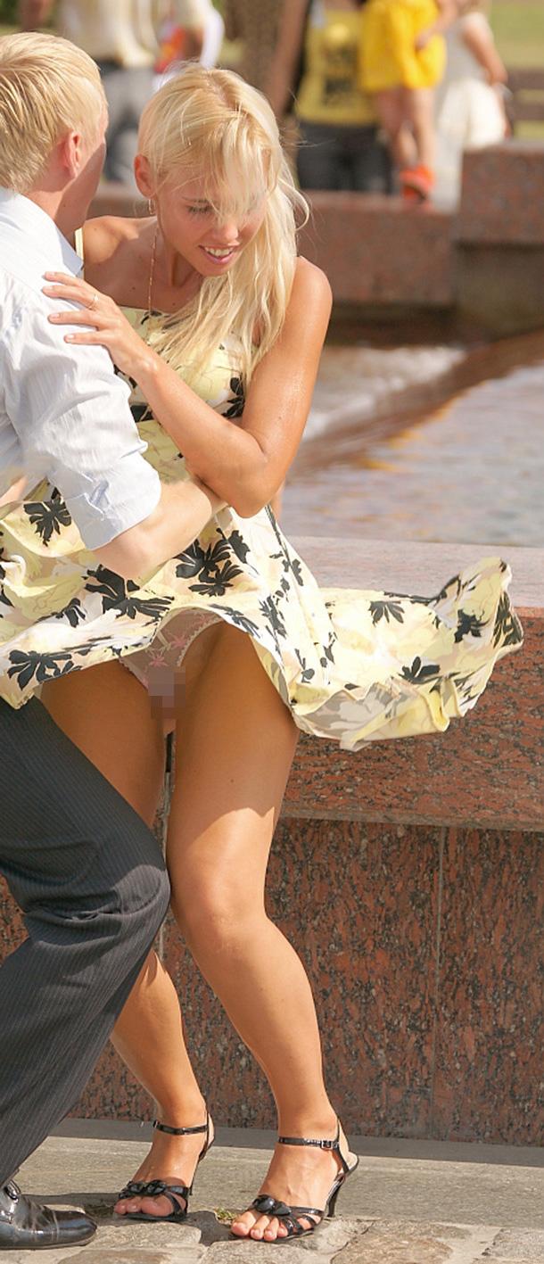 【海外パンチラエロ画像】海外女性たちの股間を狙った海外パンチラエロ画像 10