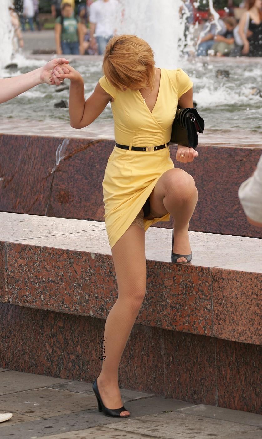 【海外パンチラエロ画像】海外女性たちの股間を狙った海外パンチラエロ画像 39