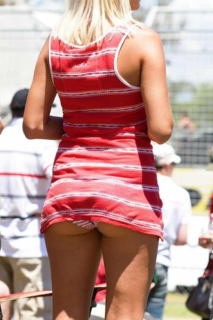【海外パンチラエロ画像】海外女性たちの股間を狙った海外パンチラエロ画像 53