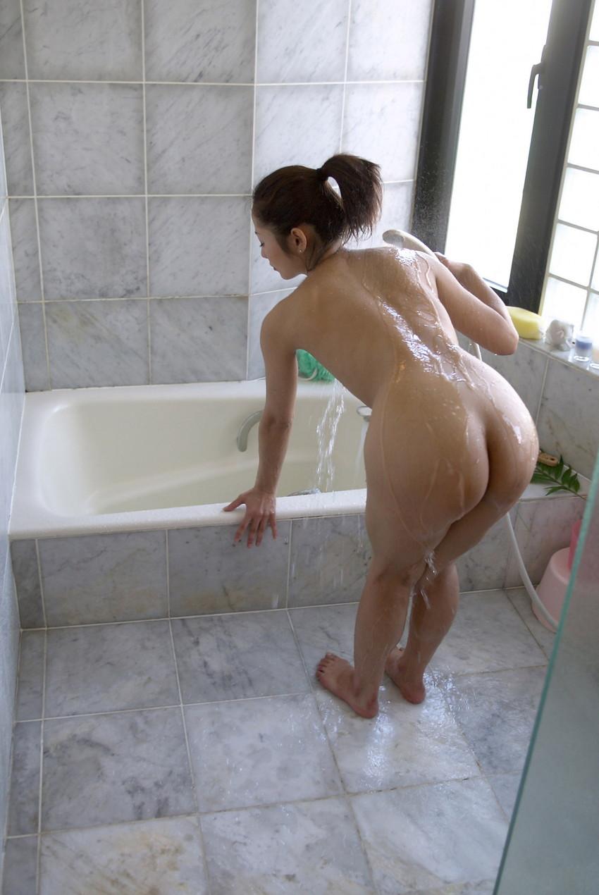 【美尻エロ画像】女の子らしいまぁるいお尻の魅力を徹底究明!?美尻エロ画像! 33