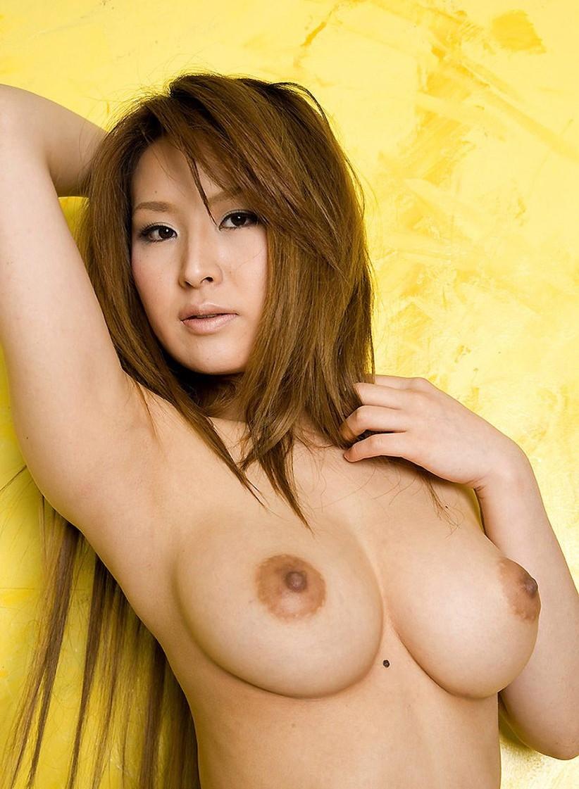 【美乳エロ画像】美しいおっぱいってエロさよりも、むしろ芸術性が高いよな!? 51
