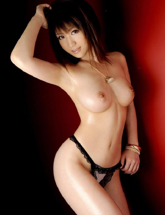 【美乳エロ画像】美しすぎてタメ息…。美乳といわれるおっぱいの女の子! 48