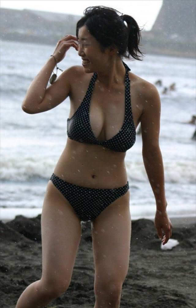 【素人水着エロ画像】素人娘たちの水着姿って生々しくて見ているだけでも勃起するw 34