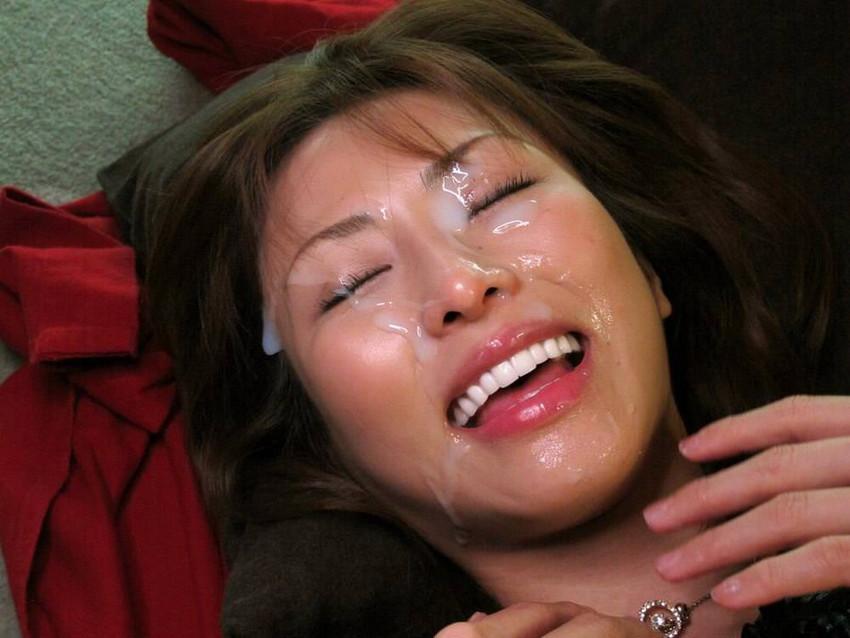 【顔射エロ画像】女の子の顔をドロッドロのザーメンで汚したいってやつ!寄って来いw 20