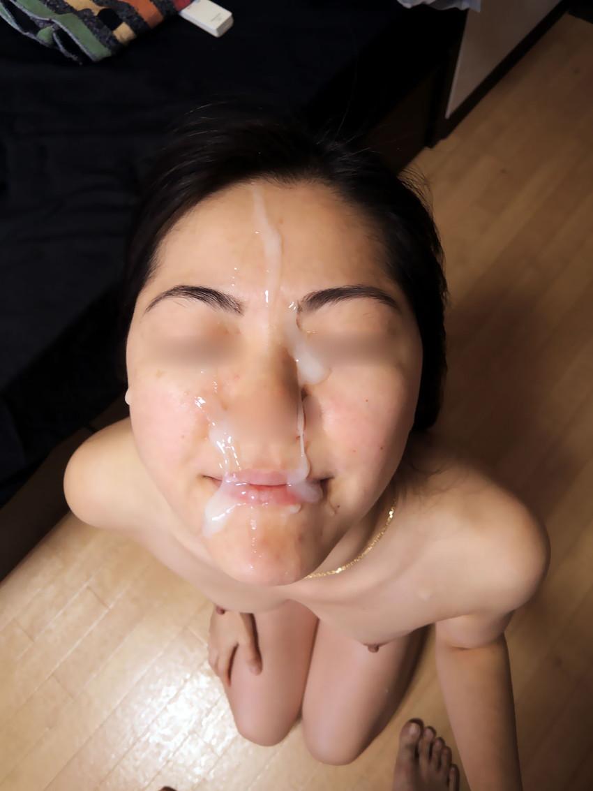 【顔射エロ画像】女の子の顔をドロッドロのザーメンで汚したいってやつ!寄って来いw 34