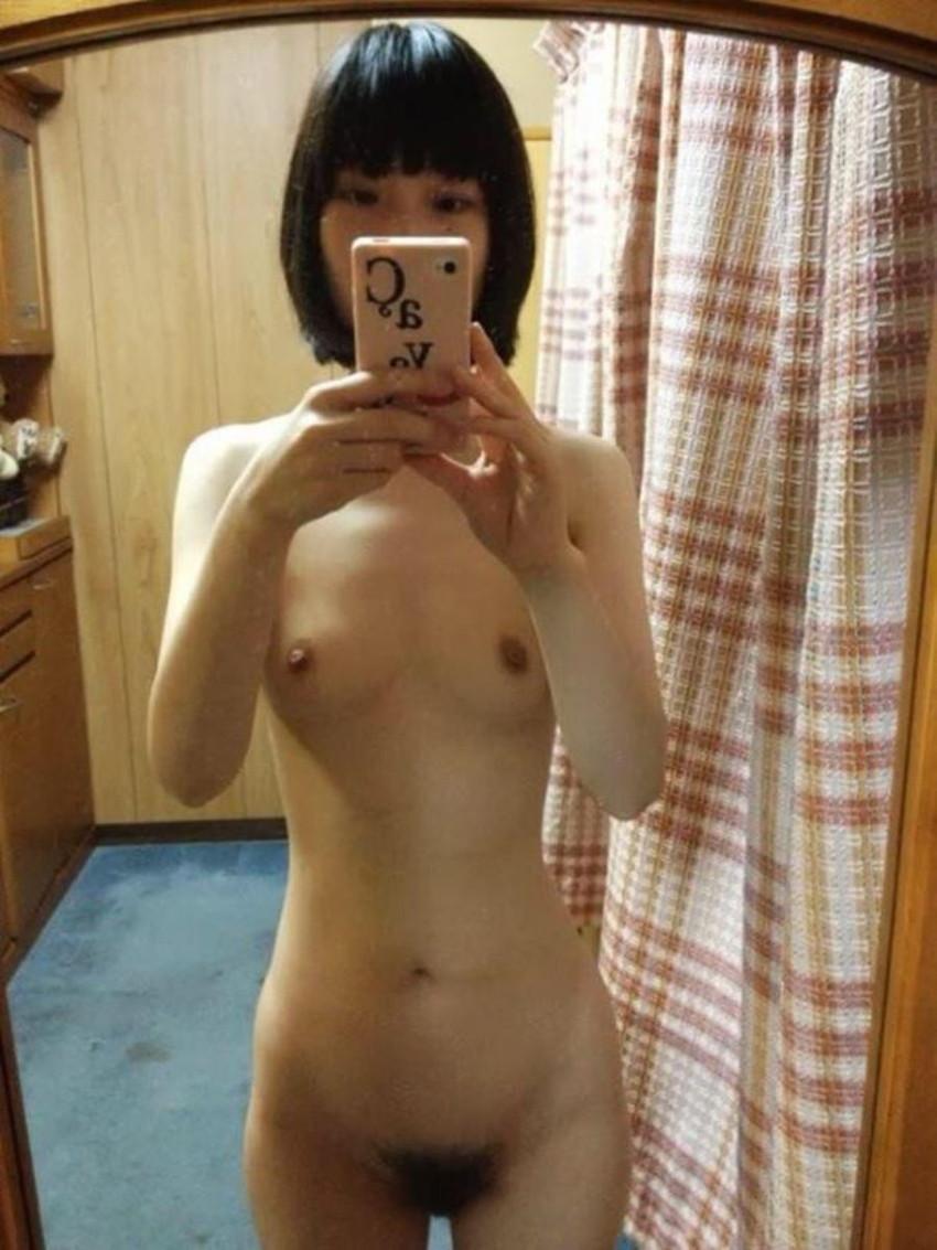 【自撮りエロ画像】ハメを外した女の子はこんなに大胆!エロ写メ自撮り! 25