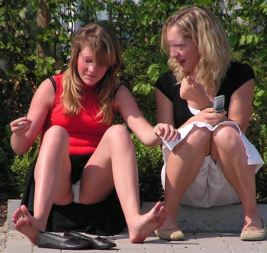 【海外パンチラエロ画像】海外の女の子たちのパンチラ画像も集めてみたぞww 27