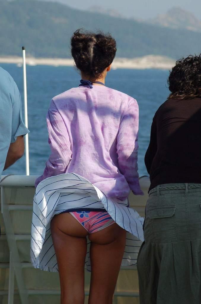 【海外パンチラエロ画像】海外の女の子たちのパンチラ画像も集めてみたぞww 35