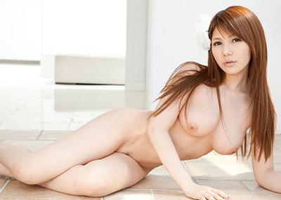 【美乳エロ画像】美しいおっぱい、美乳に見る癒しの効果?美乳のおっぱい特集!