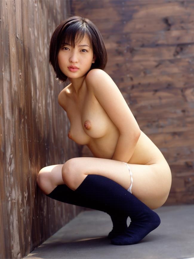 【美乳エロ画像】美しいおっぱい、美乳に見る癒しの効果?美乳のおっぱい特集! 08