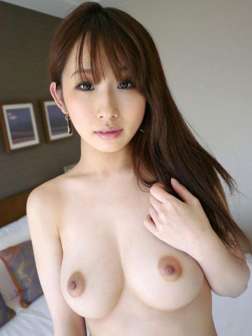 【美乳エロ画像】美しいおっぱい、美乳に見る癒しの効果?美乳のおっぱい特集! 19