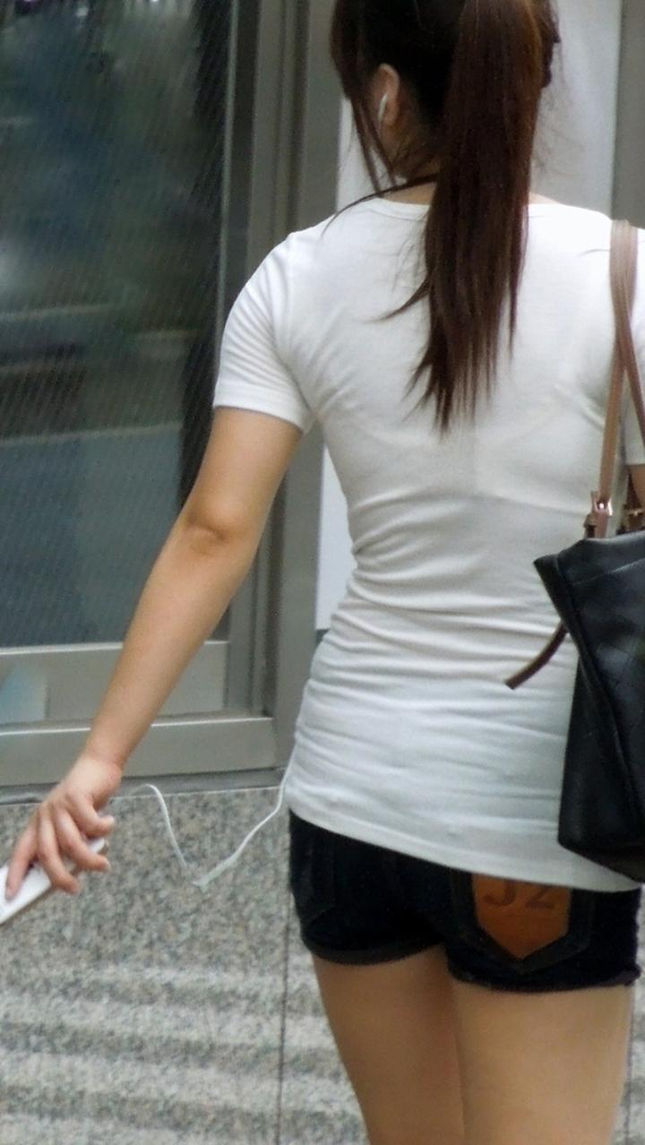 【街撮り着衣透けエロ画像】街中で着衣の透けてる女の子を激写したった! 03