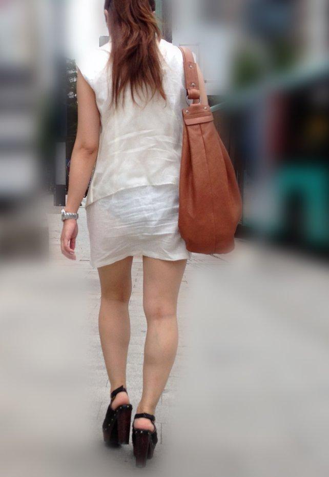 【街撮り着衣透けエロ画像】街中で着衣の透けてる女の子を激写したった! 05