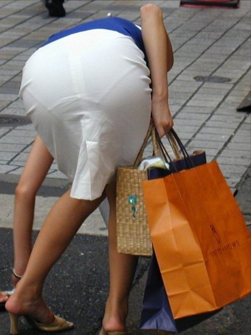 【街撮り着衣透けエロ画像】街中で着衣の透けてる女の子を激写したった! 24
