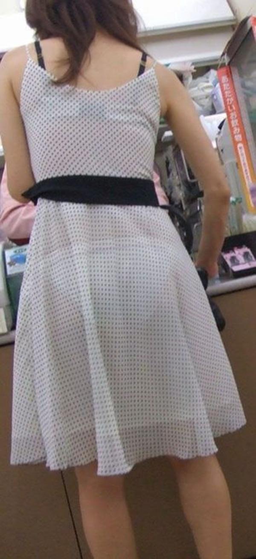 【街撮り着衣透けエロ画像】街中で着衣の透けてる女の子を激写したった! 29
