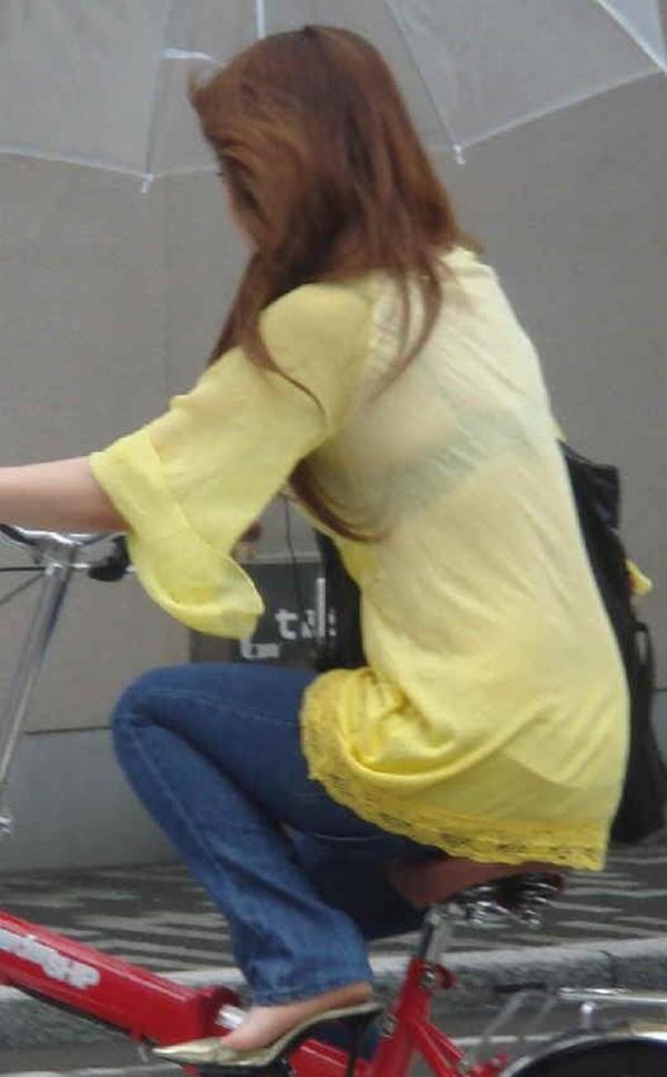 【街撮り着衣透けエロ画像】街中で着衣の透けてる女の子を激写したった! 45