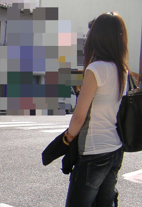 【街撮り着衣透けエロ画像】街中で着衣の透けてる女の子を激写したった! 46