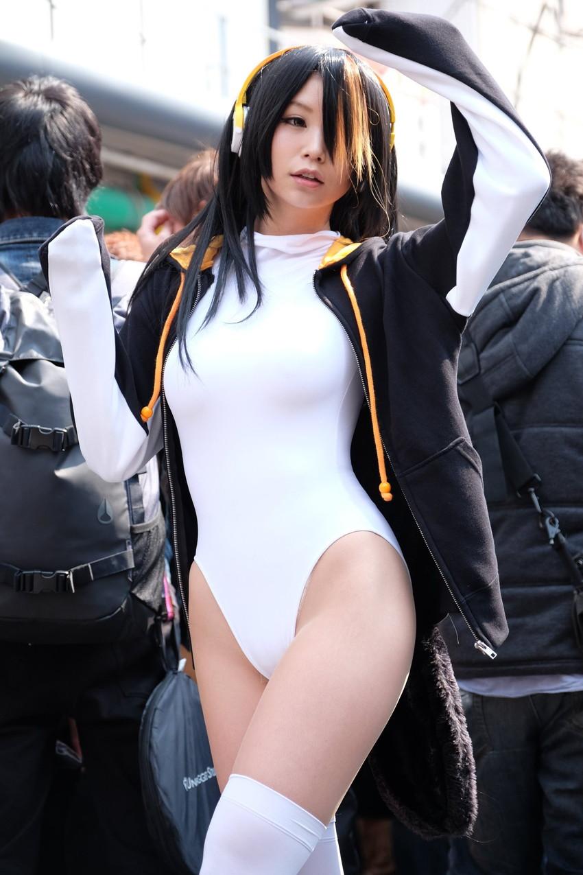 【コミケエロ画像】コミケ会場でみる素人コスプレイヤーの過激衣装に勃起は必然!? 17