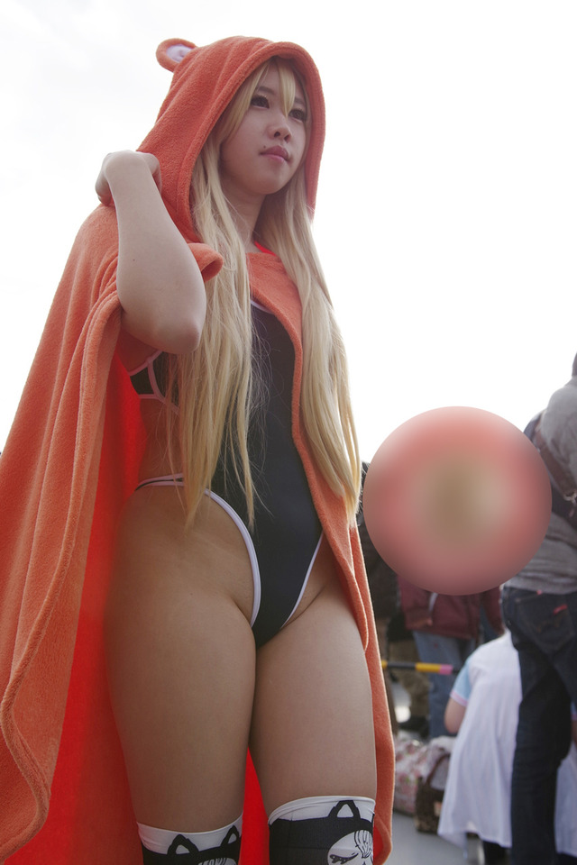 【コミケエロ画像】コミケ会場でみる素人コスプレイヤーの過激衣装に勃起は必然!? 39