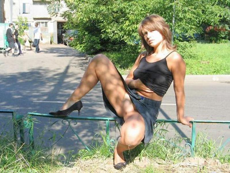 【海外露出エロ画像】海外の女の子たちも大胆、過激に野外露出wwww 20